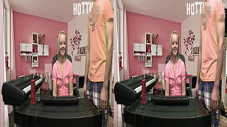 Jenna Suvari & Steve Awesome Play Webcam Truth Or Dare (IN 3D!!!)